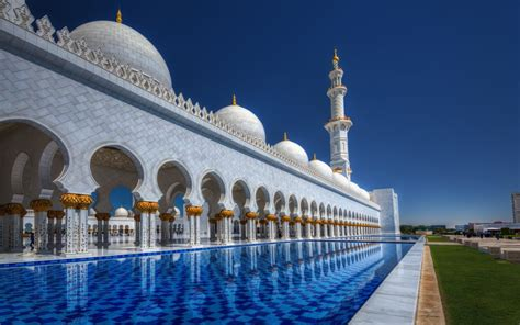 Sheikh Zayed Grand Mosque In Abu Dhabi, Capital Of The